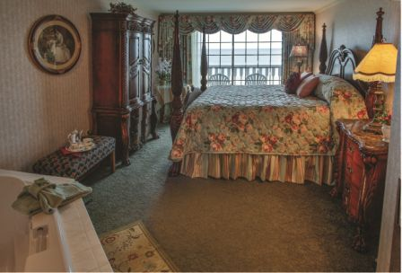 Rehoboth Beach De Victorian Hotel Deluxe Room With Large Bed Wardrobe Tub And